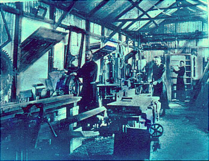 workshopbyday1913.jpg
